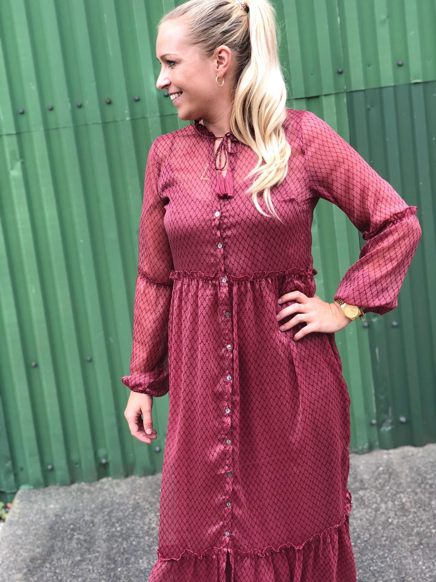 Neo Noir ViVI dress / Smuk lang kjole fra Neo Noir!