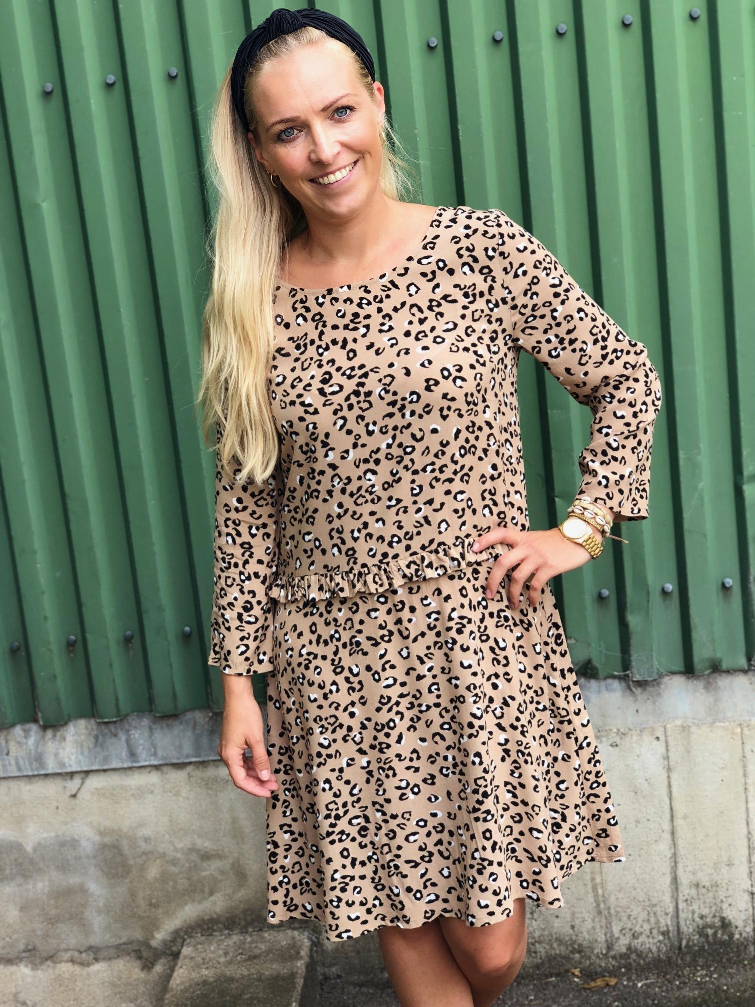 mbyM leopard kjole / så fin og enkel til en aften i byen!