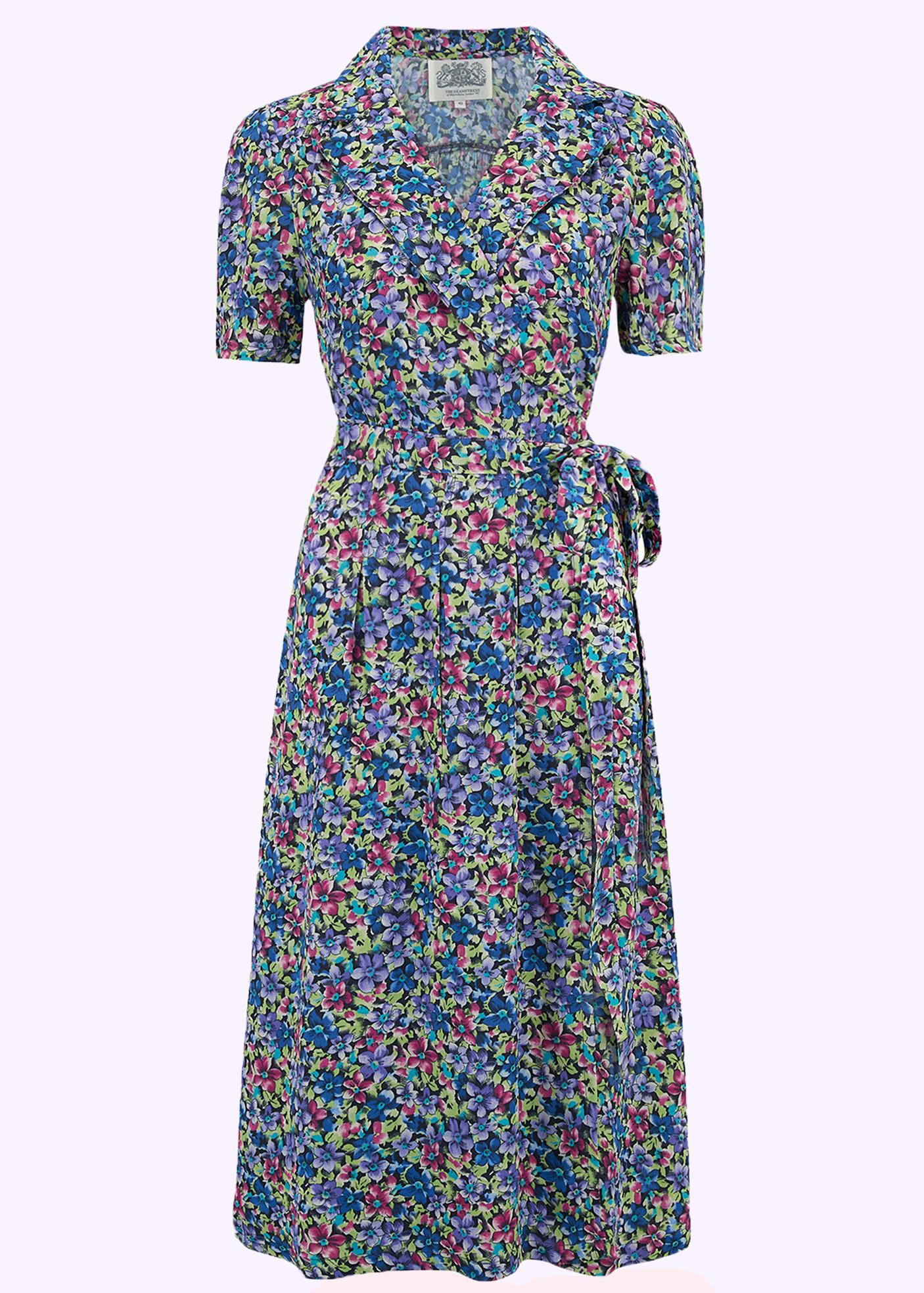 Blomstret vintage inspireret slå om kjole fra seamstress of bloomsbury