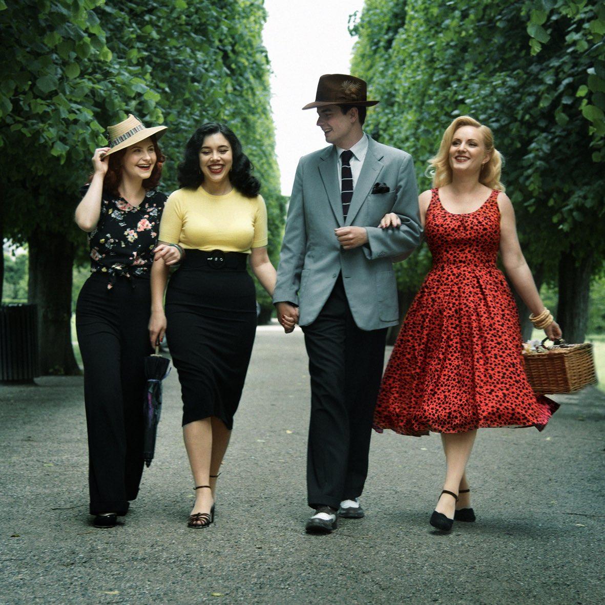The House Of Foxy er et engelsk brand der laver tøj i 1940er og 1950er stil
