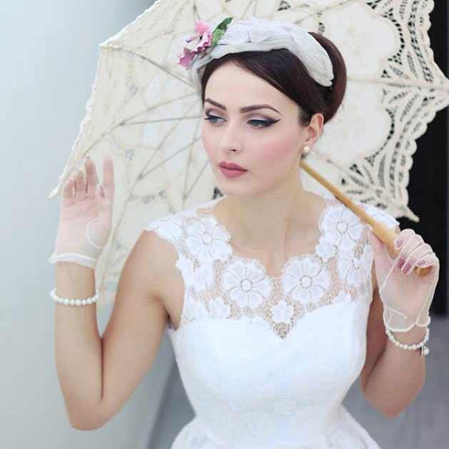 Vintage brudekjoler i 1950er stil i Mondo Kaos