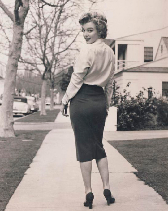Beautiful pencil skirts and other clothes inspired by the 50s