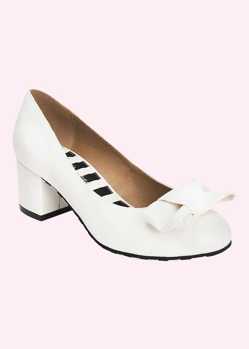 60'er sko i hvid med sløjfe fra Lola Ramona