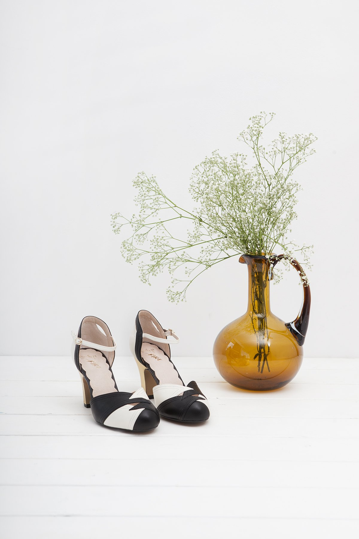 Miss L Four vintage shoes in black and white