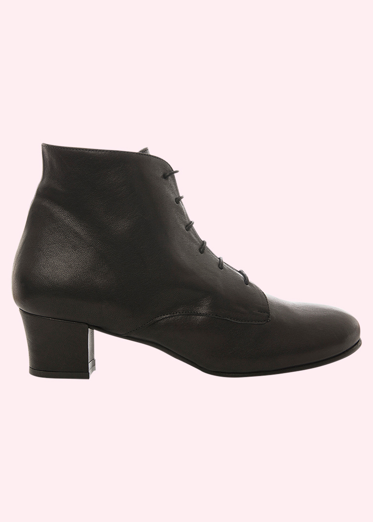Retro inspired lace ankle boots from Nordic Shoepeople