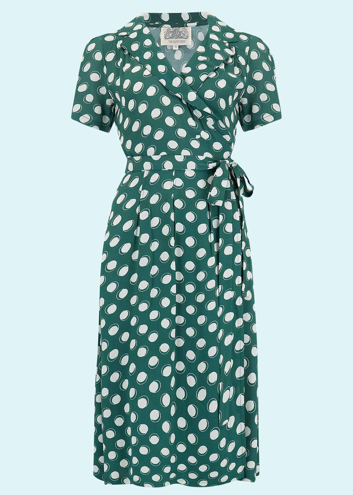 Grøn slåom kjole med prikker fra The Seamstress Of Bloomsbury