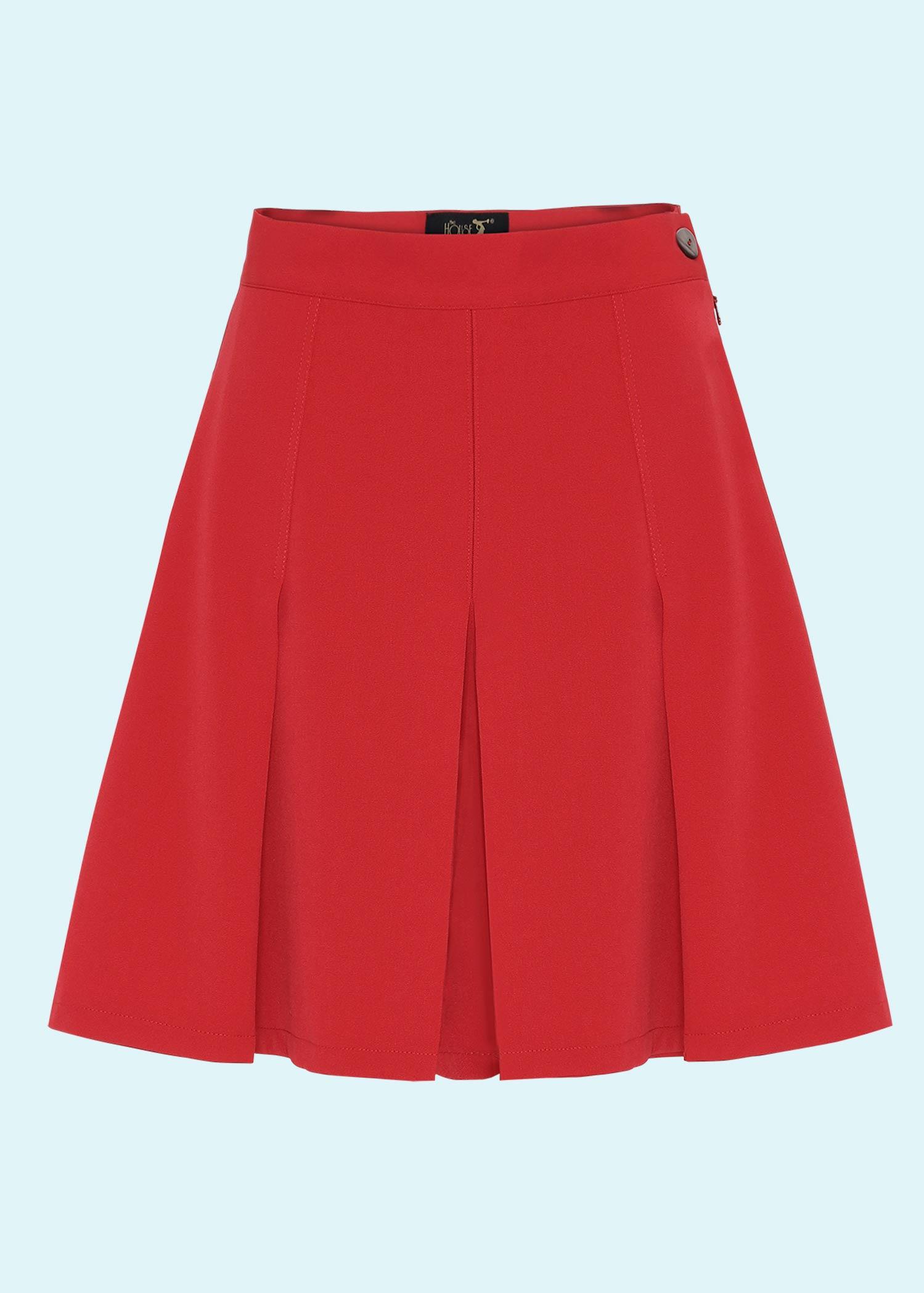 Højtaljede røde shorts fra The House Of Foxy