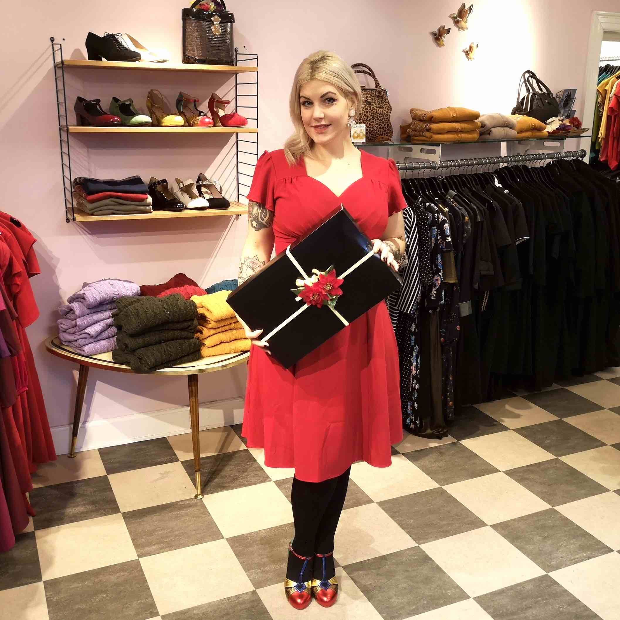 Christmas dresses in vintage style from Mondo Kaos