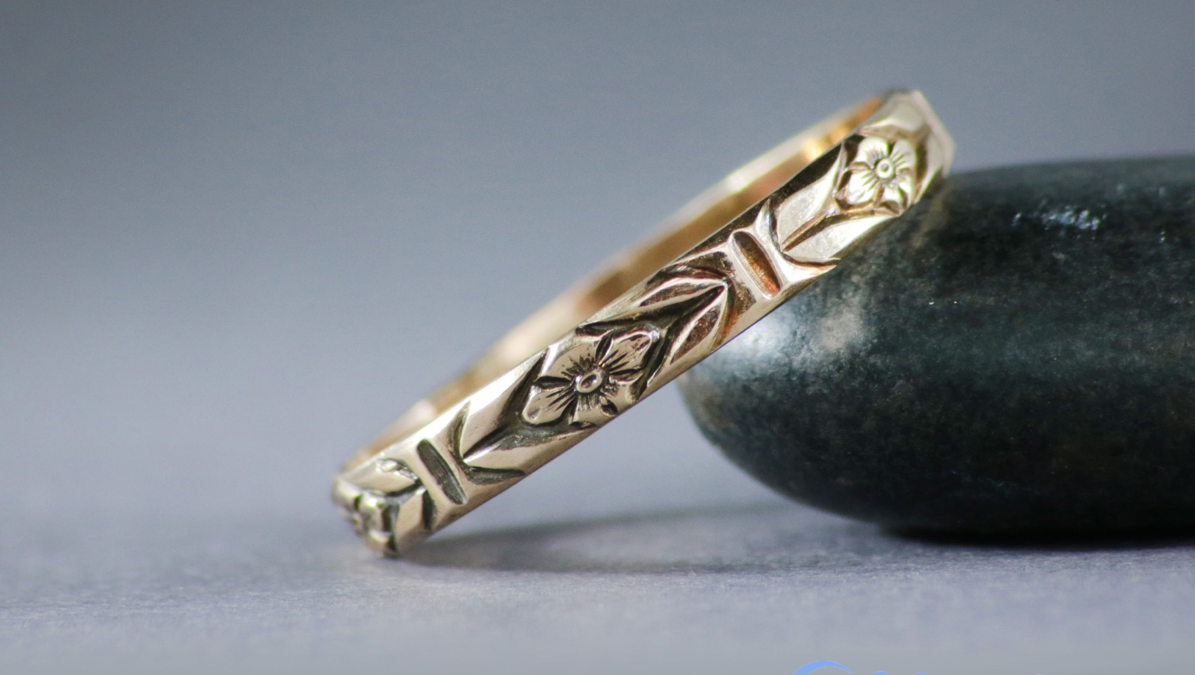 14K Yellow Gold Forget Me Not Band