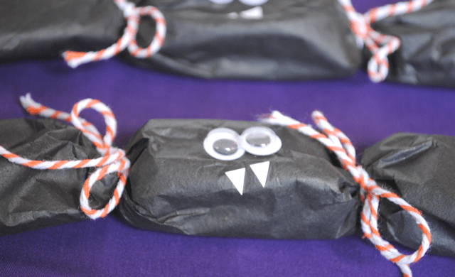 halloween party crackers