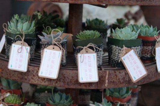 green wedding favour