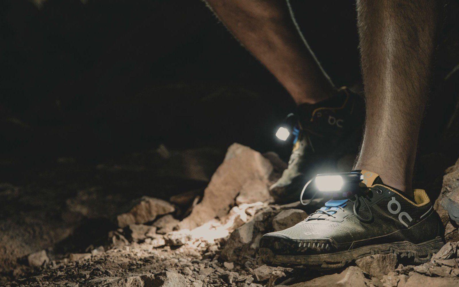Night Trek Xtreme Schuhlicht als Alternative zur Stirnlampe mit mehr Lumen