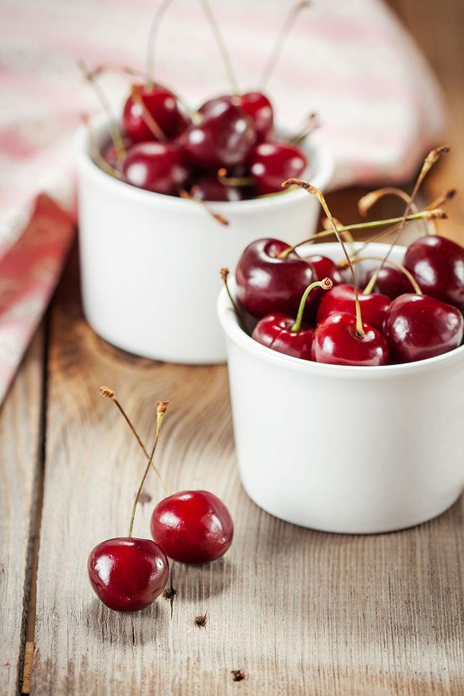 cherries in a bowl for cherry e-liquid