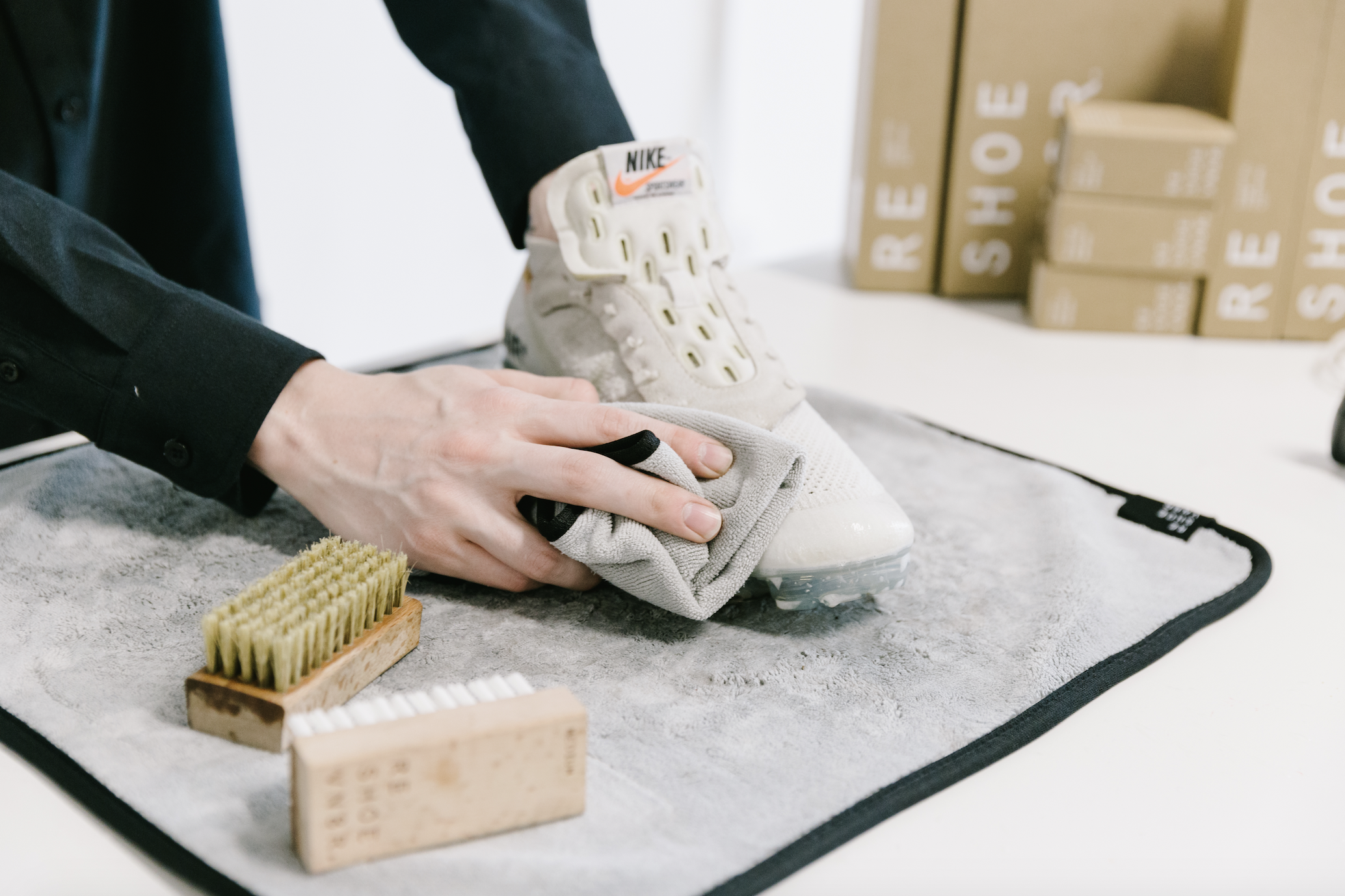 How to Clean Off-White Vapormax