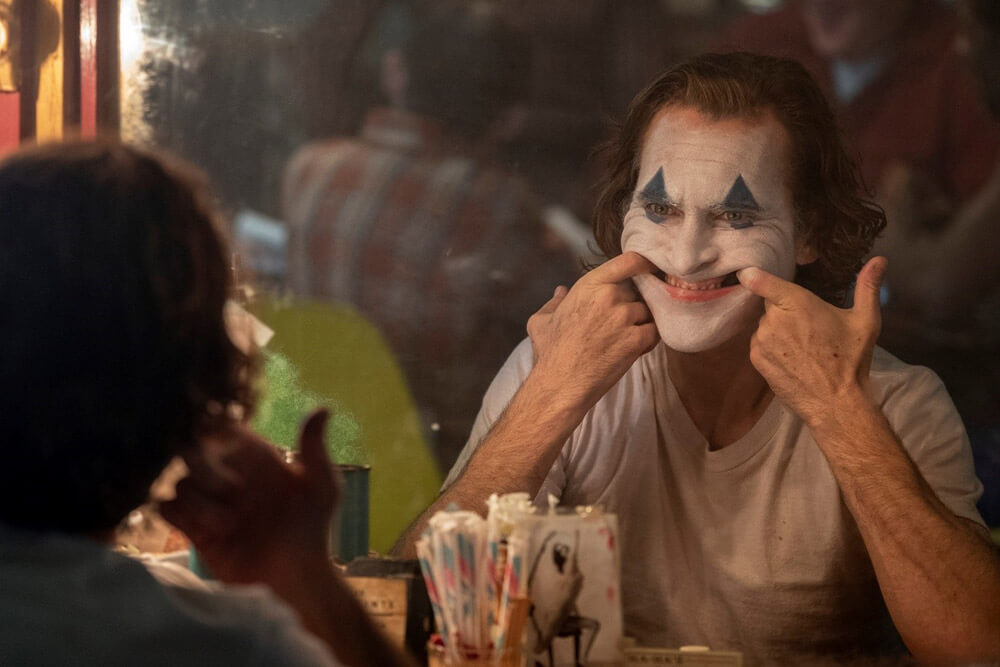Forced Smile Mirror Scene from The Joker with Joaquin Phoenix