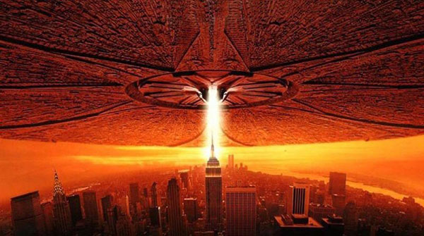 Film Poster of the Independence Day 1996 Film Showing Invading Space Craft above City Skyscrapers