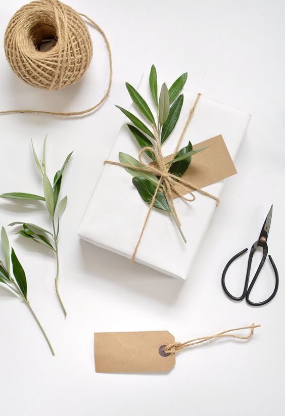 Eco gift packaging ideas for Christmas