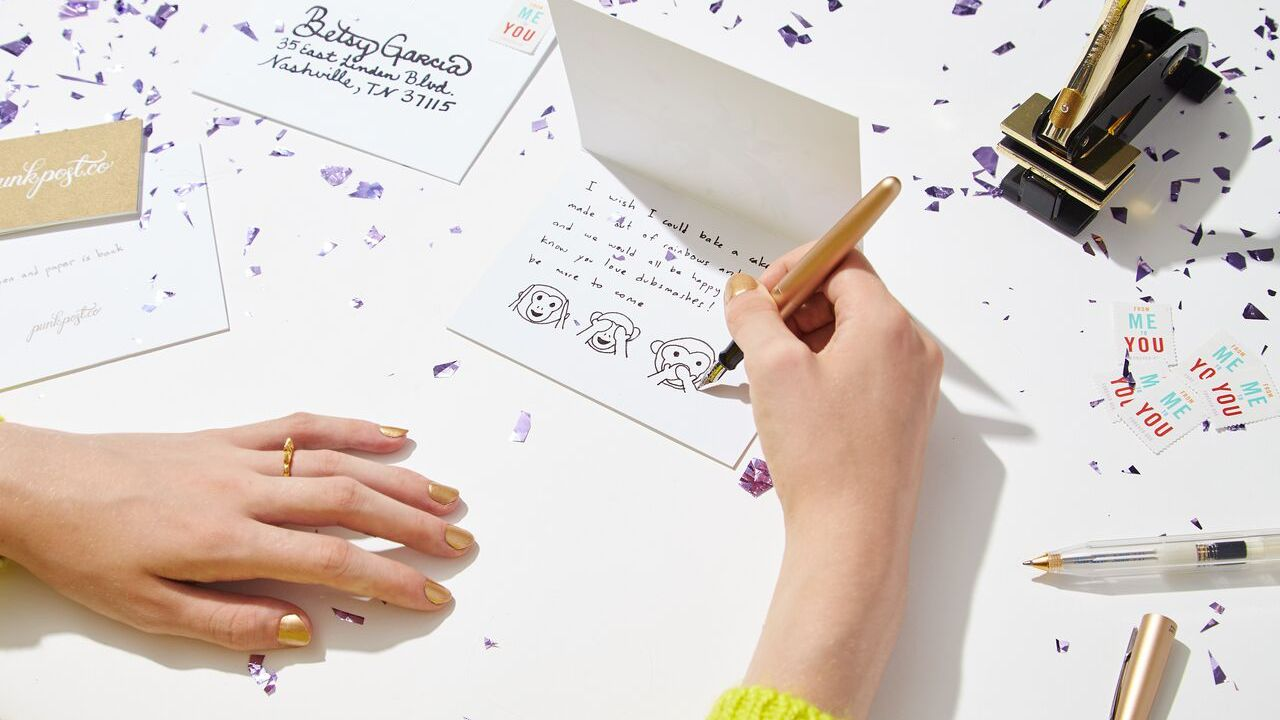 send handwritten notes along with your client gifts