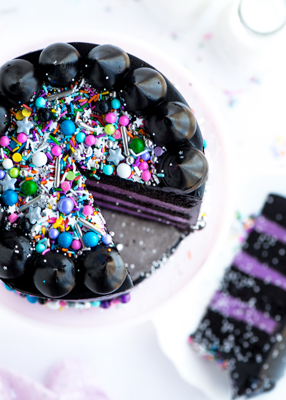 Black Galaxy Cake DIY Recipe