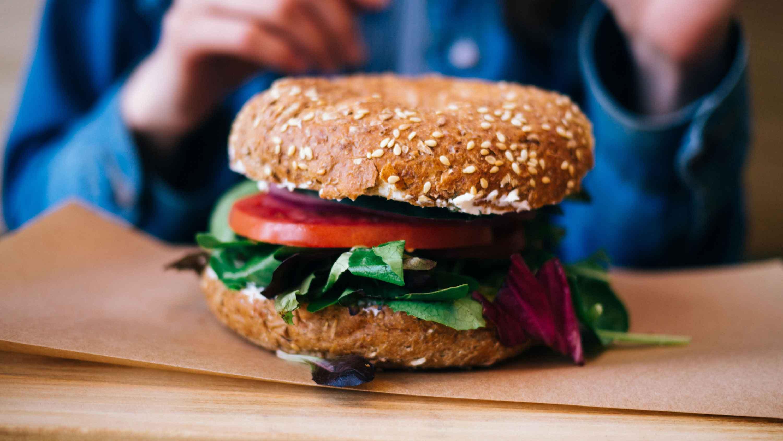Veggie-Bagel-or-Croissant-Sandwich