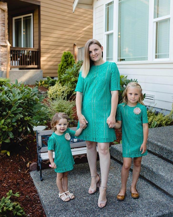 Matching-Lace-Dresses