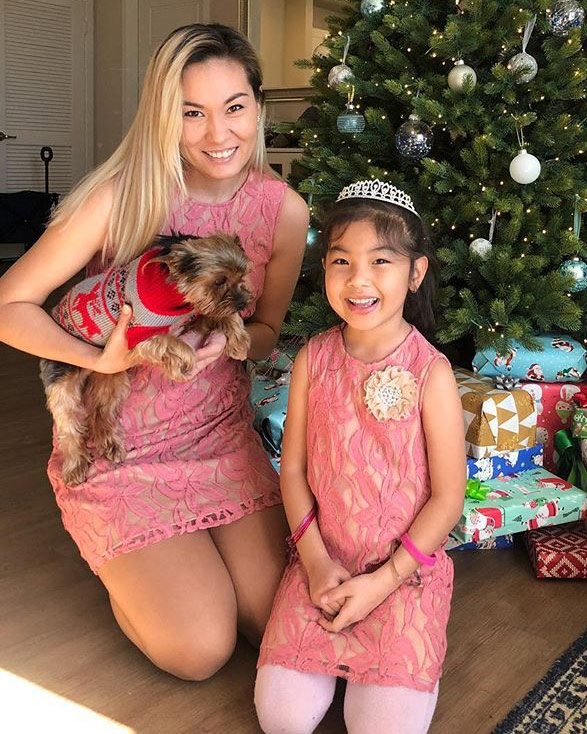 Matching-Lace-Dresses(1)