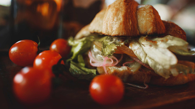 Veggie-Bagel-or-Croissant-Sandwich-(1)